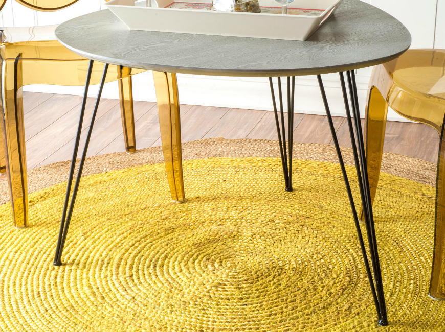 Yellow living room rugs decoration, would you dare?