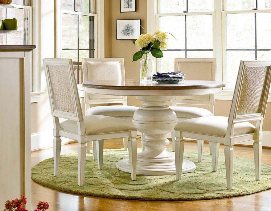 round rug 5 Incredible Round Rugs to Create A Dining Room You Will Adore j e1481796758675