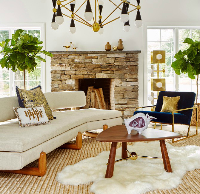 7 Beautiful Ways To Style A Fur Rug In Your Living Room Set fur rug 7 Beautiful Ways To Style A Fur Rug In Your Living Room Set 10 Beautiful Ways To Style A Fur Rug In Your Living Room Set