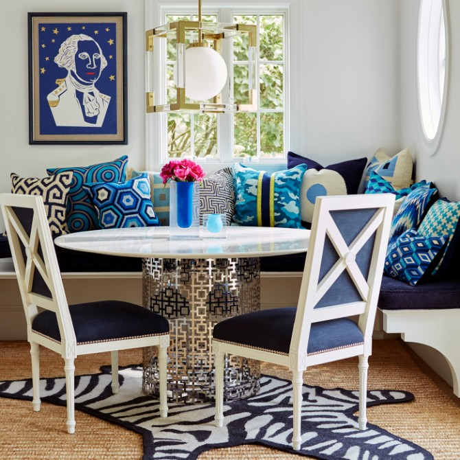 9 Tips On How To Style Contemporary Rugs Like Jonathan Adler jonathan adler 9 Tips On How To Style Modern Rugs Like Jonathan Adler How To Style Living Room Rugs Like Jonathan Adler 6