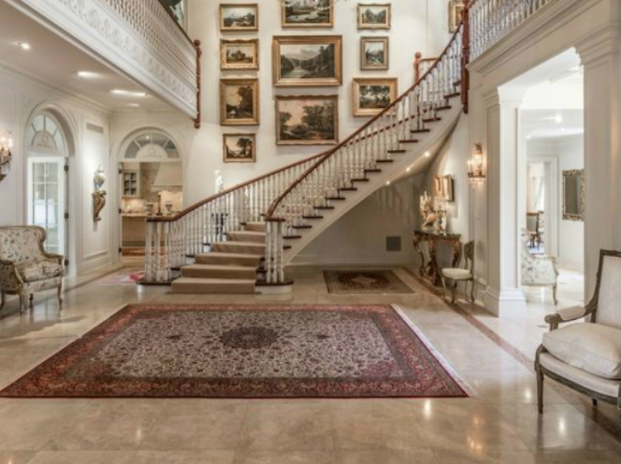 5 Magestic Hallway Rugs that will Welcome Luxury to your Home