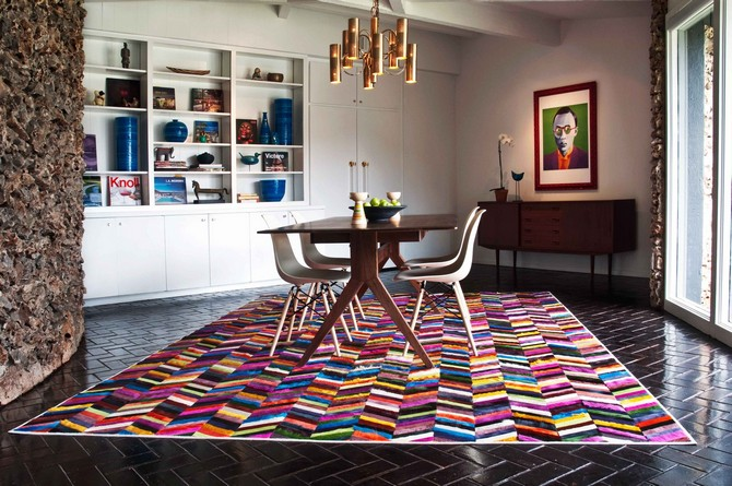 CONTEMPORARY GLAMOROUS DINING ROOM RUGS  dining room rugs CONTEMPORARY GLAMOROUS DINING ROOM RUGS – Part II Contemporary dining room with a rug that is vibrant and alive