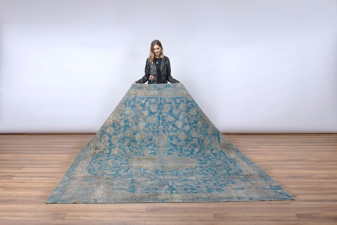 Blue Bell Pantone Color: the best modern rugs for this Fall  modern rugs Blue Bell Pantone Color: the best modern rugs for this Fall Persian Overdyed Lilla Rug