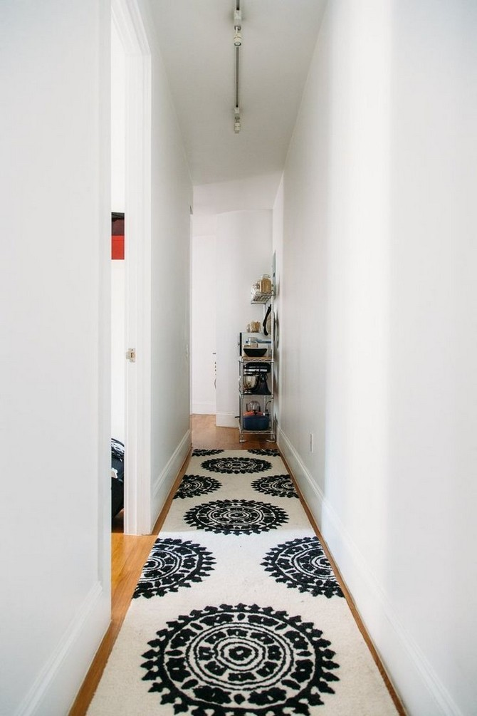 10 Hallway Modern Rugs You Will Want To Have This fall modern rugs 10 Hallway Modern Rugs You Will Want To Have This fall b859821abfc2b4de9e78063d71df6258 hallway rug hallway runner