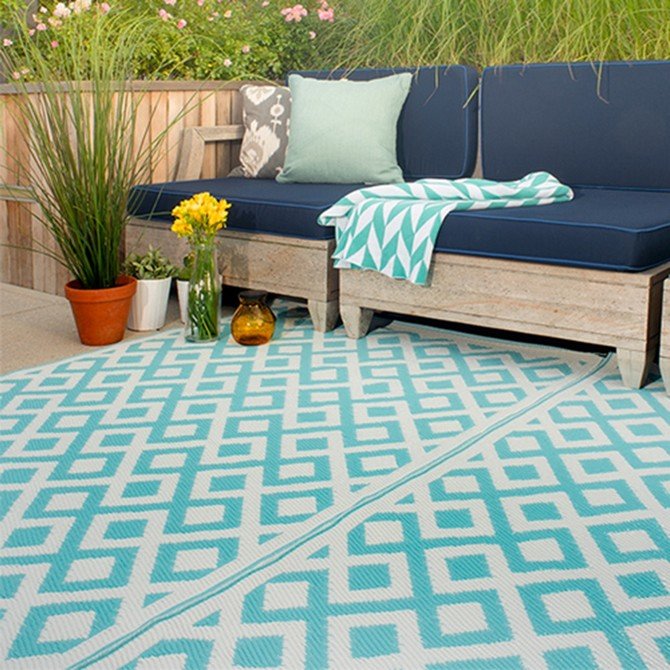 Contemporary Rugs presents: Top 10 Colors for Fall 2017 by Pantone contemporary rugs Contemporary Rugs presents: Top 10 Colors for Fall 2017 by Pantone marina