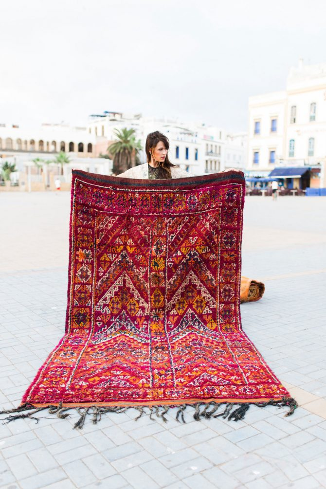 moroccan rugs 8 Remarkable Moroccan Rugs That You Covet 8 Remarkable Moroccan Rugs That You Covet 4 e1504178108815