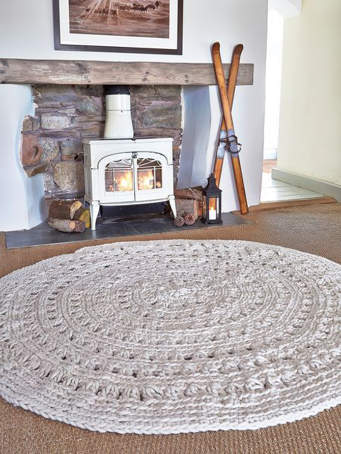 Round Wool Rugs round wool rugs 7 Round Wool Rugs You Will Love to See! 3ae84e2b2509320c09c30347425849ea